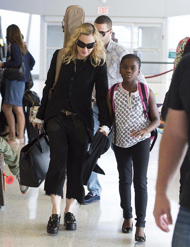 Aeroporto New York Jfk : Madonna all aeroporto jfk di new york foto