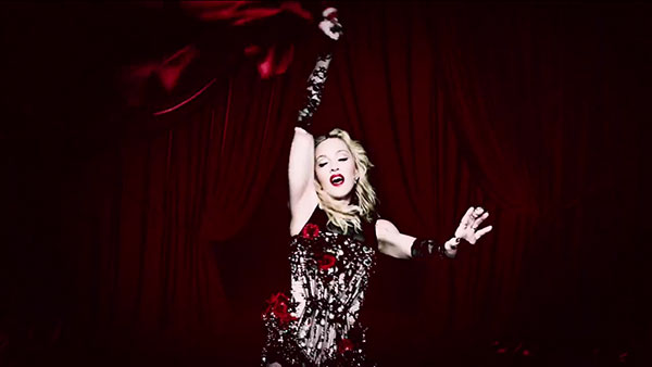 Madonna living-for-love-video-02