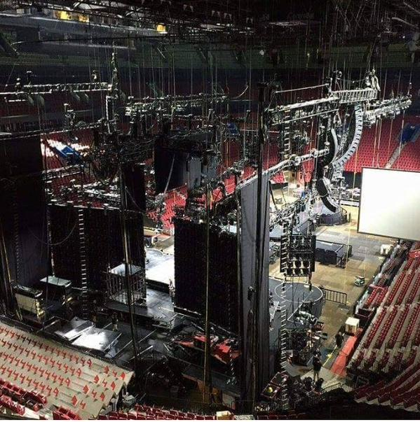 rebel-heart-tour-palco
